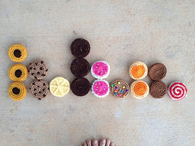 crochet bag, crochetbug, crochet tote, crochet cookies, crochet circles, nine patch squares