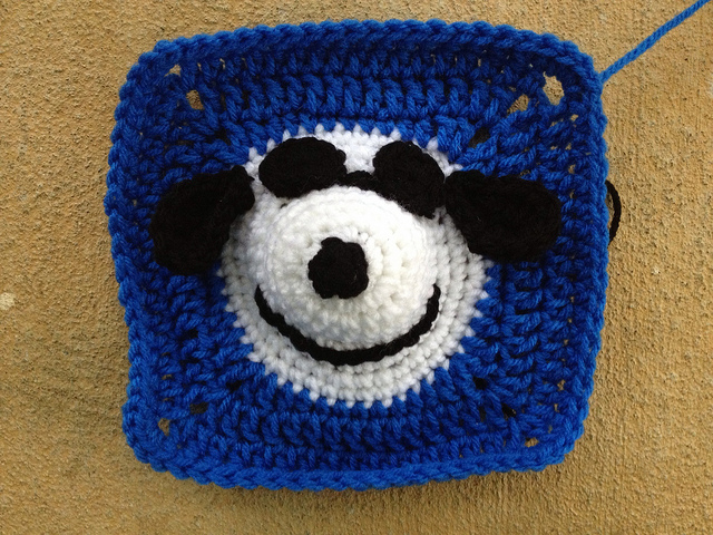 Snoopy crochet square