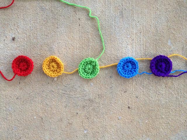 crochet dots for a crochet baby blanket