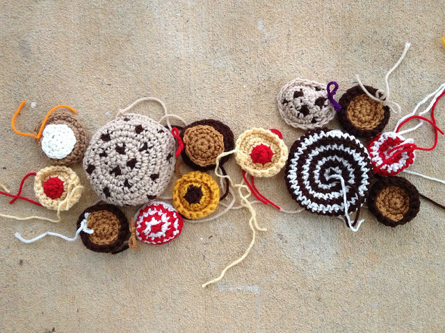 crochet cookie motifs