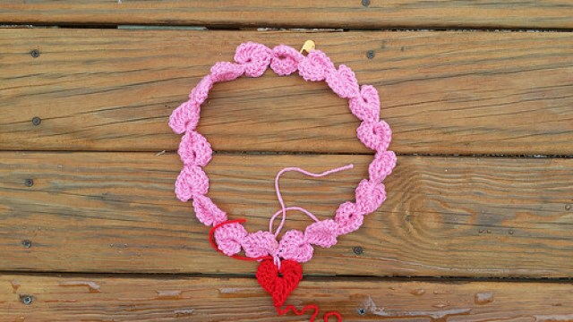 crochet heart necklace