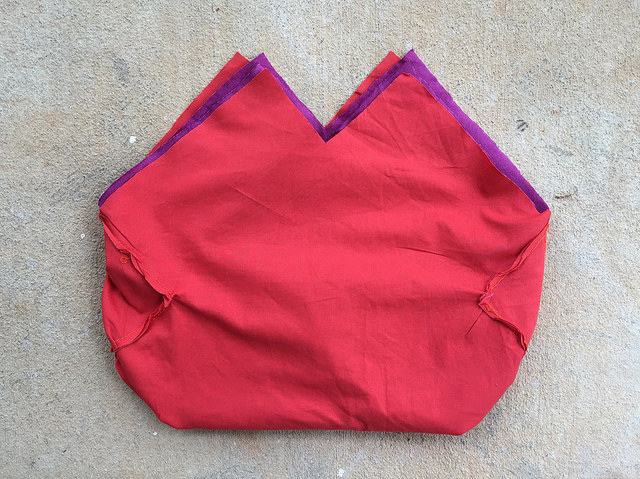 Double fabric lining for a crochet purse