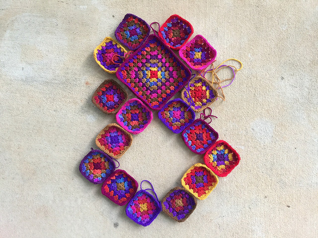 crochet granny square purse