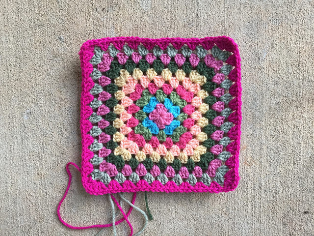 crochet bag granny square