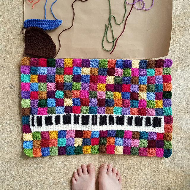 making crochet pieces fit