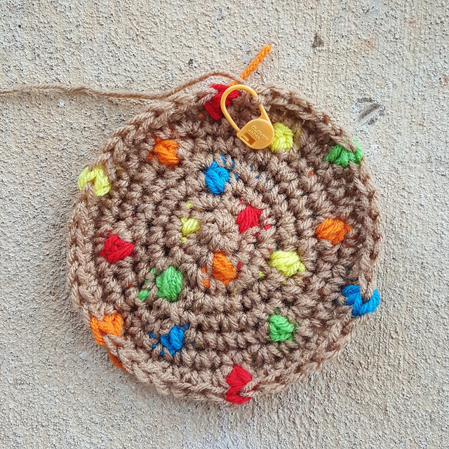 M and M crochet cookie