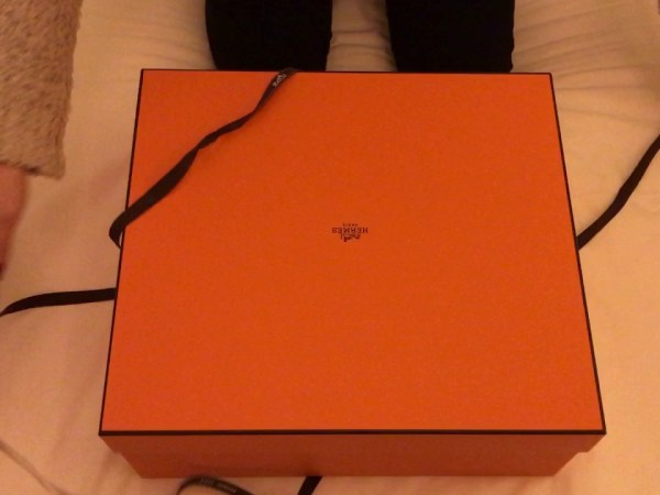 Unboxing Hermes Lindy 26
