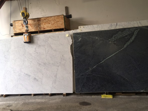 Carrara and cinza