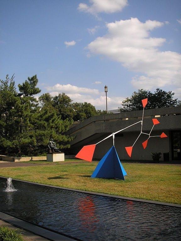 calder-hirshhorn-museum