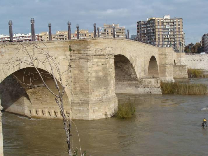 Puente_de_Piedra_Zaragoza