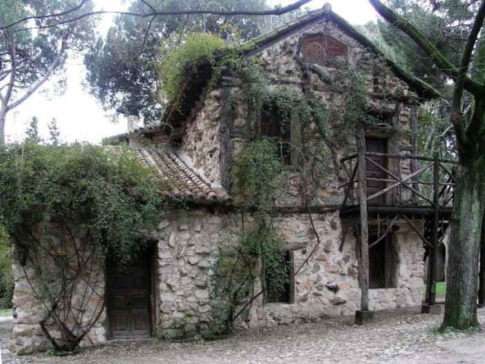 Jardin_El_Capricho_Casa_de_la_Vieja