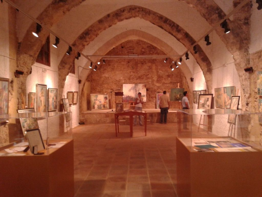 """Exposición temporal, Sala de lo """"Oscurico"""". Palacio Gótico, Castillo de Buñol."""