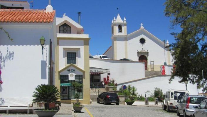 Iglesia Matriz de S.Salvador (fondo) y Capela de Sto. Antonio (izquierda)