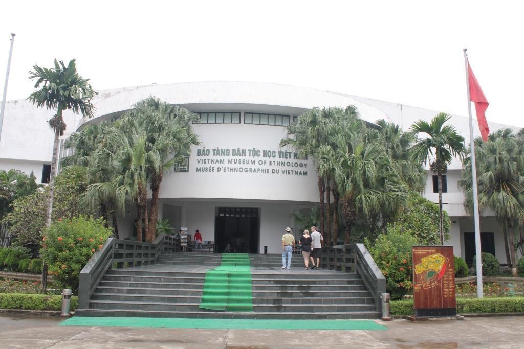 Entrada al Museo Etnológico de Hanói, Vietnam.