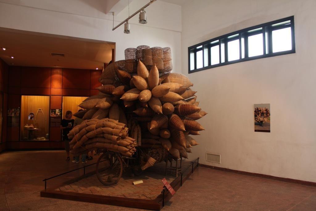 Bicicleta con cestos, Museo Etnológico de Hánoi, Vietnam.