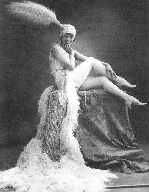 Félix Jacques Moullin, Mistinguett en el Moulin Rouge.