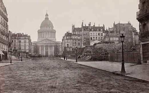 Panteón París.
