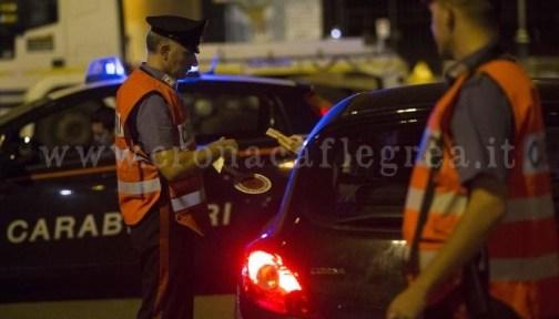 Controlli dei carabinieri in strada