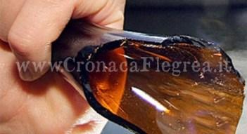 aggressione-bottiglia-rotta-735x400