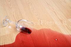 caduta-di-vetro-di-vino-6578944