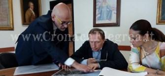 Il sindaco Figliolia insieme all'on. Bonavitacola, vicepresidente della Regione