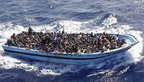 """Italiani brava gente: """"Negro di m... mangia banane, riprendi il barcone, non ti affitto la casa..."""""""
