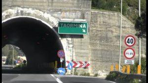 Taormina, ma quale G7?: sulla pista per Trump ci sono le pecore, la strada è un sentiero...