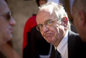 """Ammazzano di tasse gli italiani ma per gli stranieri """"paradiso fiscale"""""""