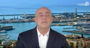 "Crozza a Papa Francesco a Genova: ""Sei venuto a scomunicare Beppe Grillo?"""