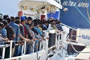 Migranti: Italia isolata, Austria con esercito al Brennero, Francia e Spagna chiudono