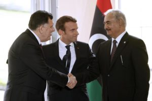 La Francia ci frega di nuovo in Libia, ci trattano come una colonia e si pappano le aziende più belle