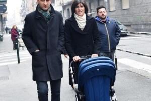Appendino, sindaco di Torino, alla guerra del fasciatoio: bambini al ristorante