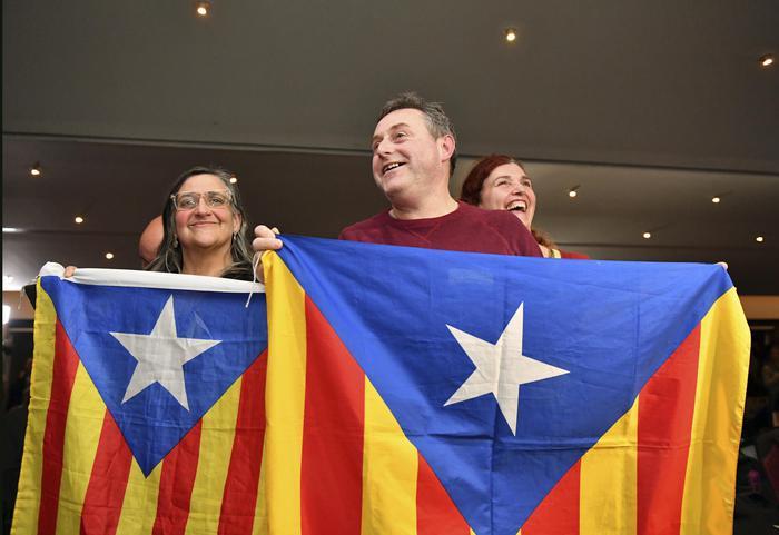 Catalogna: gli indipendentisti vincono, hanno la maggioranza. Ciudadanos primo partito