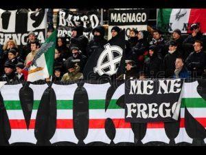 Juventus, cinquanta ultrà in corteo a Bologna: cori fascisti, braccia tese, camicia nera trionferà