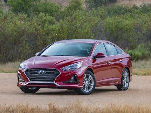 Hyundai, richiamate 88mila auto: c'è pericolo che il motore si incendi