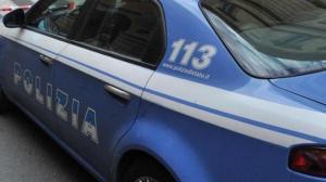 Torino: litiga con la moglie, viene allontanato da casa e si dà fuoco in auto