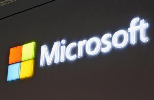 """Microsoft: falle nei processori, l'azienda ammette: """"Pc più lenti con aggiornamento Windows"""""""