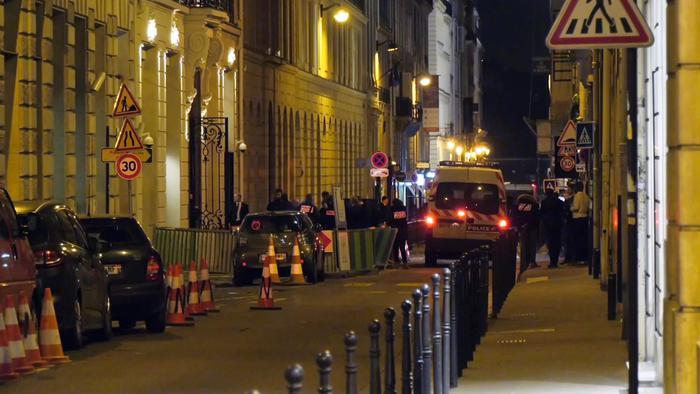 Parigi, rapina a mano armata al Ritz: rubati gioielli per 4 milioni