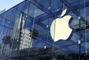 """Allarme Apple, falla nei microchip: dispositivi a rischio. L'azienda: """"Non sappiamo cosa accadrà"""""""