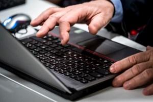 Falla nei processori di Pc e smartphone: miliardi di dispositivi a rischio hacker