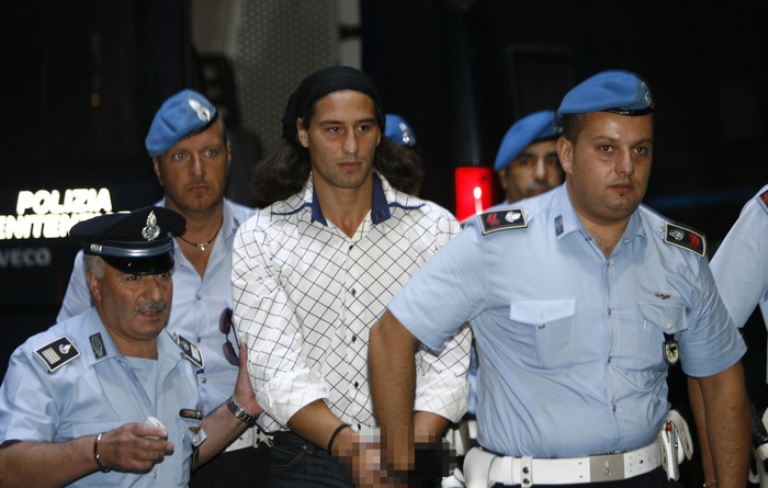 """Edgar Bianchi, abusi su una tredicenne: condannato a 10 anni il """"maniaco dell'ascensore"""""""