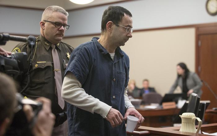 Larry Nassar: medico che abusò di ginnaste Usa condannato a 175 anni di carcere