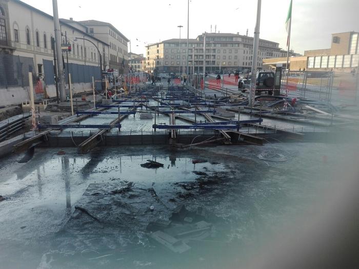 Firenze, spunta una necropoli romana dagli scavi della tramvia