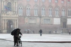 Meteo, maltempo nella settimana di San Valentino: neve a bassa quota e aria fredda