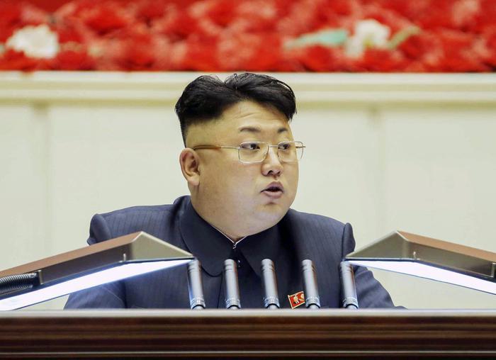 Kim Jong-un e il padre: spuntano passaporti falsi brasiliani per viaggiare in Occidente