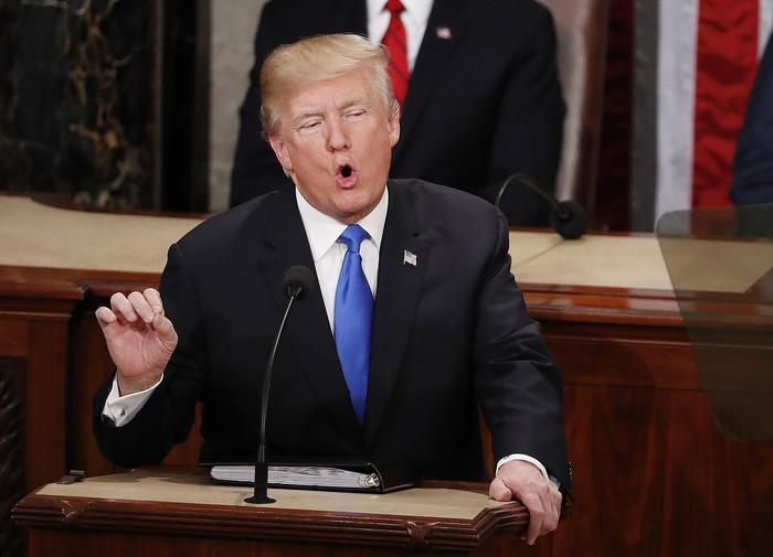 Donald Trump, la sua approvazione sale al 40% dopo discorso sullo stato dell'Unione