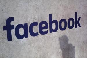 Facebook, lo scandalo Cambridge Analytica fa cadere la prima testa: si dimette capo della sicurezza