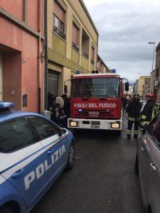 Cagliari, dà fuoco alla casa con suo figlio di 20 giorni dentro: arrestata per tentato omicidio
