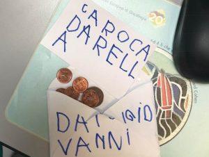 """Milano, la madre guarisce dal cancro e il figlio di 5 anni dona al medico i suoi risparmi: """"Sono per la ricerca"""""""