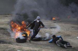 Israele, apre ambasciata Usa a Gerusalemme: bagno di sangue al confine con la Palestina